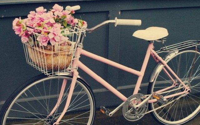 Женские велосипеды с корзинами приносят пользу