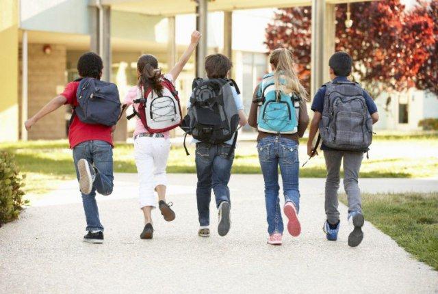 Провоцирует ли школьный рюкзак боли в области спины? 2