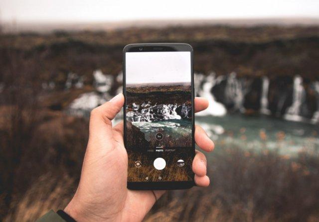 Почему использование смартфонов может быть опасно для здоровья?
